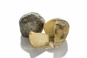 Ricotta salata, special cheeses, Caseificio Di Nucci