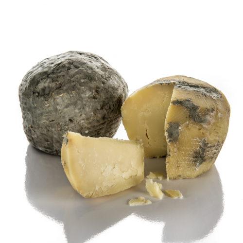 Ricotta salata, formaggi particolari, Caseificio Di Nucci