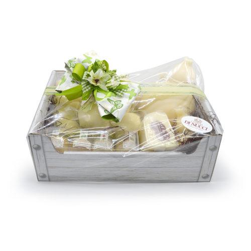 basket gift, scatola regalo, formaggi Di Nucci, caciocavallo semistagionato, caciocavallo di agnone, manteca, treccia, ricotta salata