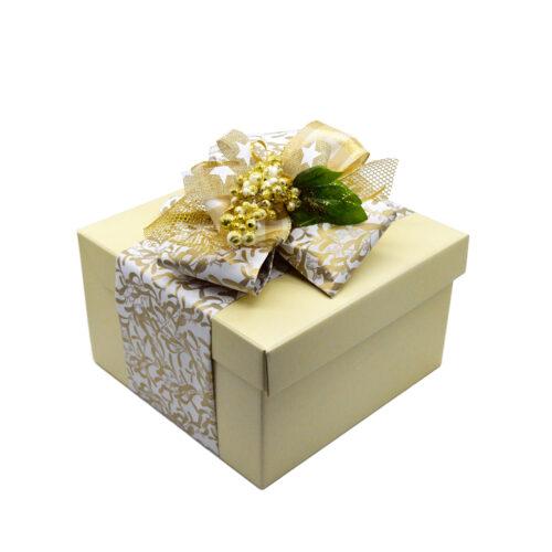 scatola regalo, formaggi Di Nucci, caciocavallo semistagionato, caciocavallo di agnone, manteca, treccia, ricotta salata